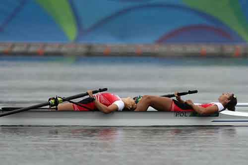 polish-rowers-completely-drained-after-the-pair-final
