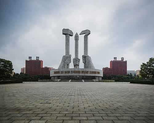 pyongyang-north-korea-vintage-architecture-photo-essay-by-raphael-olivier-2