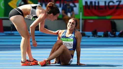 rio-olympics-runners-help-each-other-abbey-dagnostino-nikki-hamblin