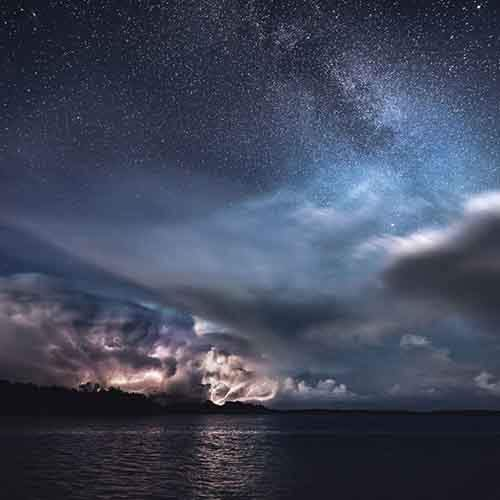 stars-and-storms-in-kasnas-finland-by-mikko-lagerstedt-3