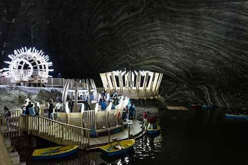 this-400-foot-deep-amusement-park