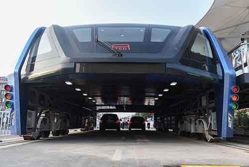 transit-elevated-bus-first-test-ride-qinhuangdao-china-3