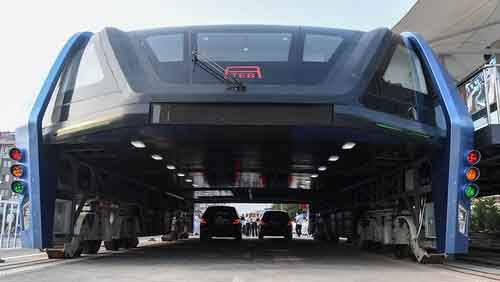 transit-elevated-bus-first-test-ride