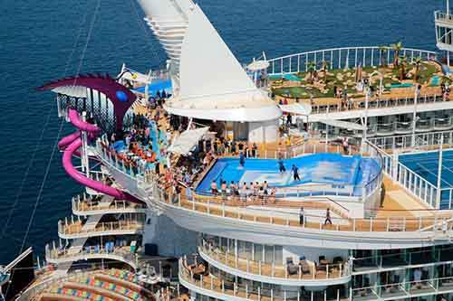 worlds-largest-passenger-ship-harmony-of-the-seas-royal-caribbean-17