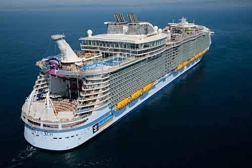 worlds-largest-passenger-ship-harmony-of-the-seas-royal-caribbean-24