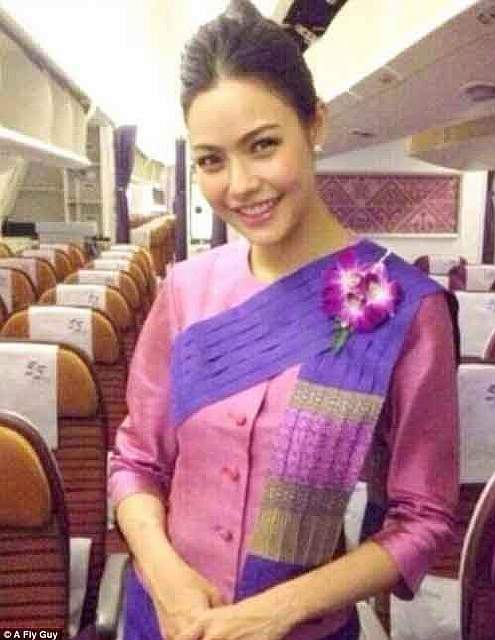 386da2ef00000578-3792428-a_cabin_crew_member_for_thai_airways_capable_of_melting_hearts_w-a-72_1474021979671