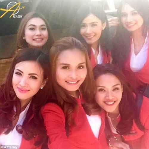 386da31500000578-3792428-five_airasia_philippines_flight_attendants_showcase_their_curled-a-82_1474022058399
