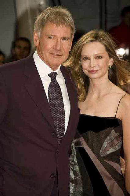harrison_ford_and_calista_flockhart_at_the_2009_deauville_american_film_festival-04-610x917