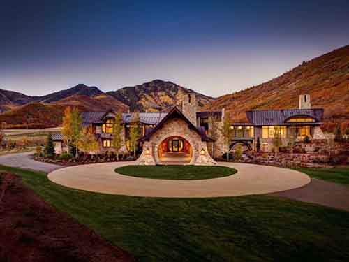 named-the-finest-property-in-all-of-utah-this-mansion-sits-on-nearly-30-acres-of-mountain-range-stone