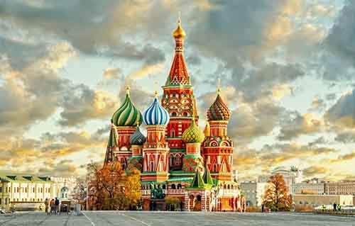 the-world-famous-st-basils-cathedral-was-completed-in-1561-and-it-continues-to-wow-visitors-with-its-historic-charm
