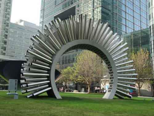 canary_wharf_aeolus_sculpture-1-610x458