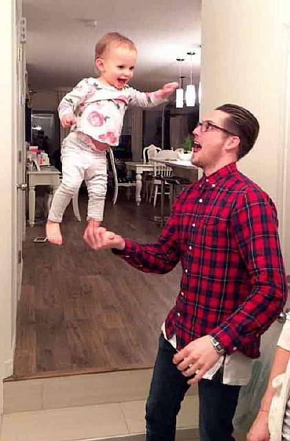 funny-baby-parenting-moments-16-57fcce07e9bd0__605