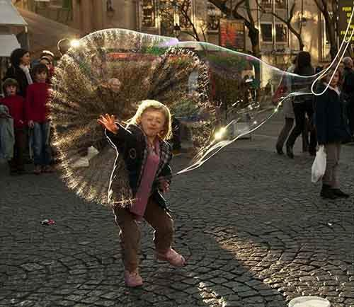 perfectly-timed-street-photography-127-5810ae7261328__700