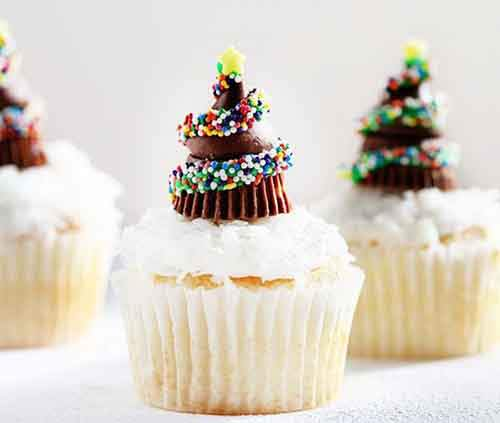 chocolate-christmas-tree-cupcakes