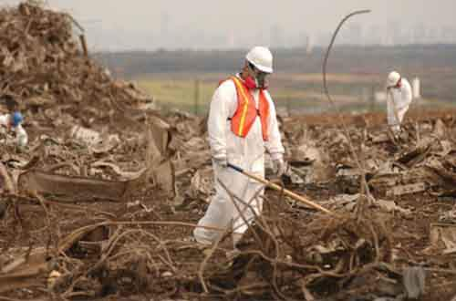 world_trade_center_wreckage-fresh_kills_landfill_on_staten_island-610x403