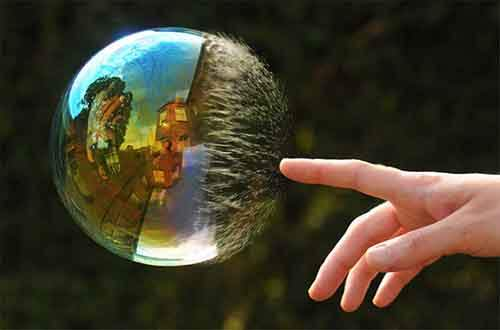 amazing-reflections-optical-illusions-98-583813029e4db__700