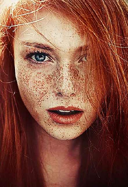 freckles-redheads-beautiful-portrait-photography-45-583566458c790__700