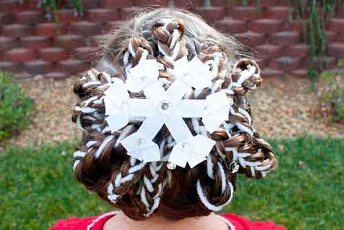creative-christmas-hairstyles-14-58468cd6b371c__605