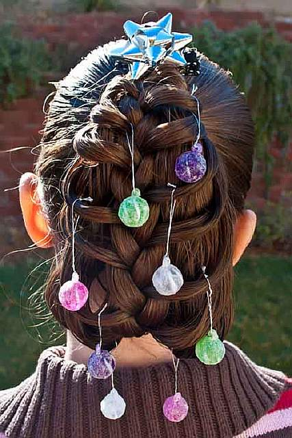 creative-christmas-hairstyles-15-58468cd9a6457__605