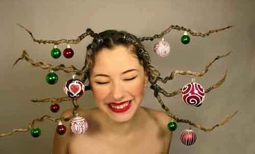 creative-christmas-hairstyles-17-58468cdf8f9b9__605