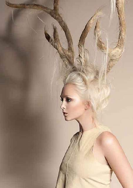creative-christmas-hairstyles-29-58468d01d4606__605