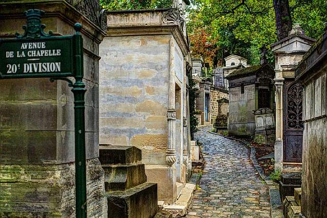 1024x684xperelachaise.jpg.pagespeed.ic.Wc_kMAIwRy