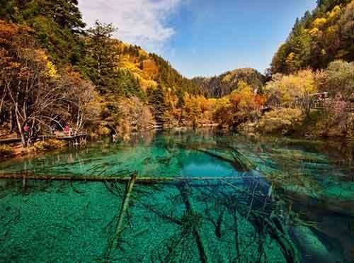 1_jiuzhaigou_valley_wu_hua_hai_2011b-610x453