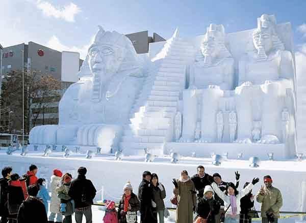 unique-festivals-around-the-world-sapporo-snow-festival-3