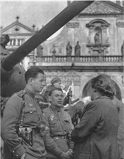 chekhoslovakialiberation001-18