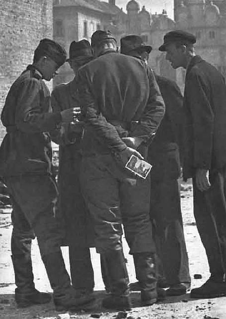 chekhoslovakialiberation001-28