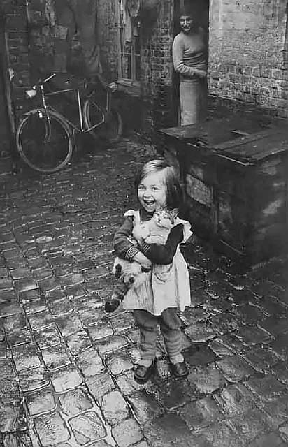 children-in-old-photos-1__605