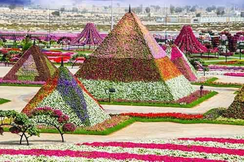 it-is-the-8th-wonder-of-the-world-unique-garden-in-dubai-will-surprise-even-the-most-avid-artnaz-com-1