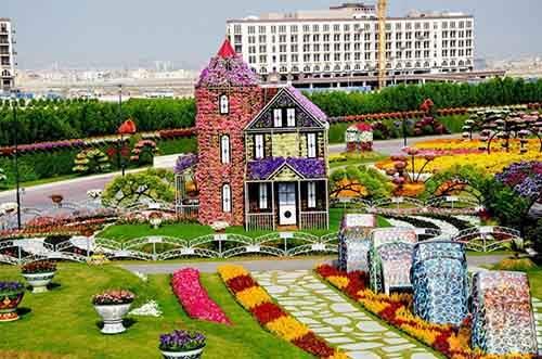 it-is-the-8th-wonder-of-the-world-unique-garden-in-dubai-will-surprise-even-the-most-avid-artnaz-com-18
