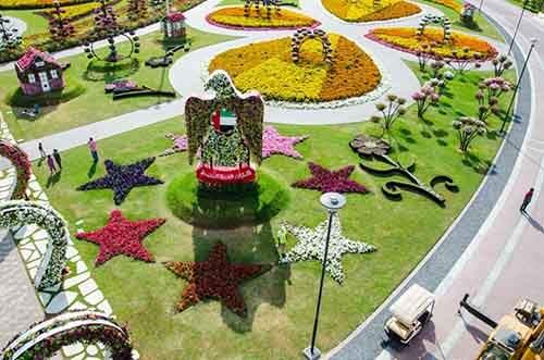 it-is-the-8th-wonder-of-the-world-unique-garden-in-dubai-will-surprise-even-the-most-avid-artnaz-com-5