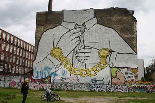 20-strong-street-art-works-revealing-the-truth-of-life-artnaz-com-4