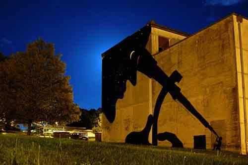 20-strong-street-art-works-revealing-the-truth-of-life-artnaz-com-7