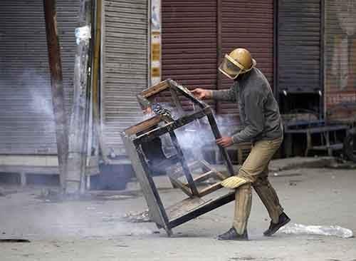 everyday-life-of-india-photography-artnaz-com-32