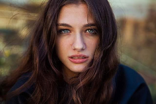 woman-beauty-atlas-mihaela-noroc-180__880