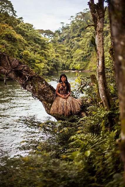 woman-beauty-atlas-mihaela-noroc-248__880