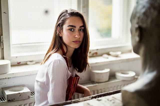 woman-beauty-atlas-mihaela-noroc-252__880