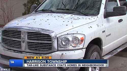 таинственный чёрный дождь над мичиганом испачкал машины и дороги