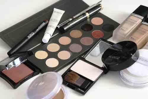 25-cosmetics-1063134_960_720-610x407