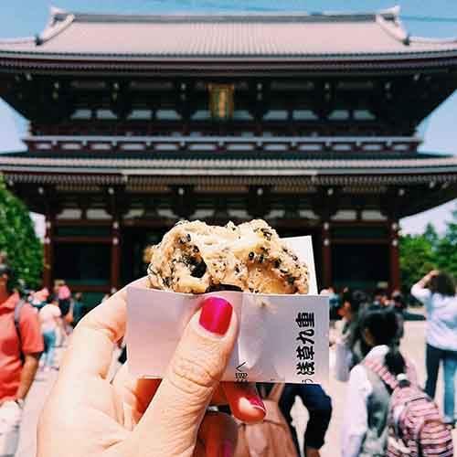 food-around-the-world-sweets-travel-girl-eat-world-11-572302559e47e__605