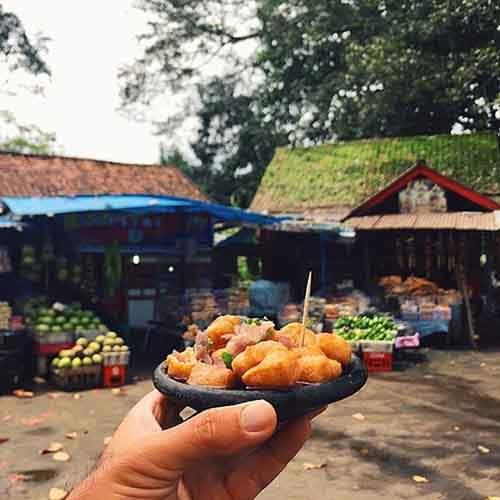 food-around-the-world-sweets-travel-girl-eat-world-34-5723028c772f0__605
