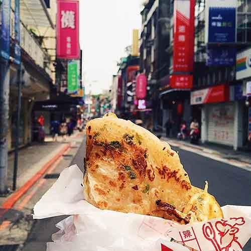food-around-the-world-sweets-travel-girl-eat-world-38-572302956ffb4__605