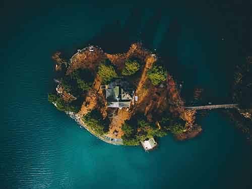 sweden-island-aerial_95022_990x742
